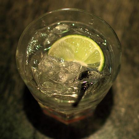 Piruletas de gin y tónica