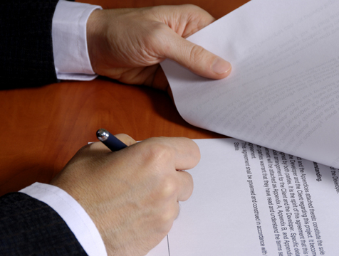 ¿Necesito un asesor para suscribir un contrato de reserva o de arras?