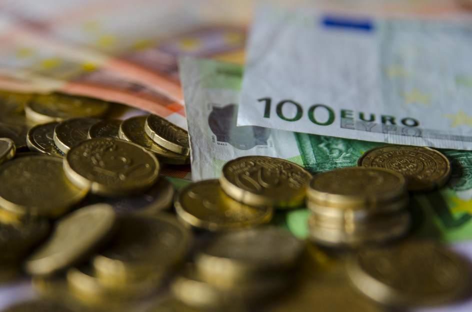 ¿Se puede pagar en efectivo en una compraventa?
