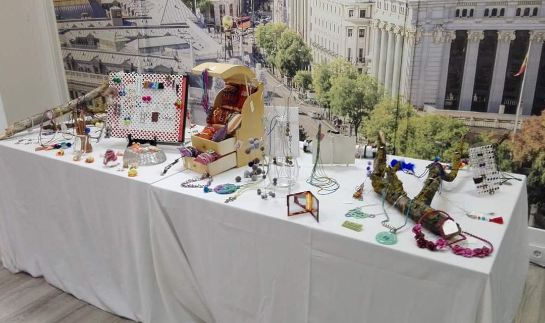 """Entrevista a la artista Mar Yáñez: """"Incluso los objetos cotidianos pueden despertarme una idea"""""""