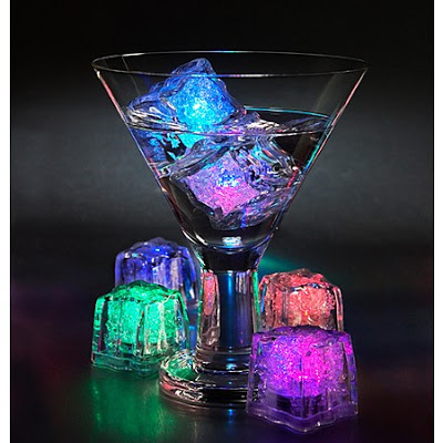 Cubitos de hielo luminosos para tus copas