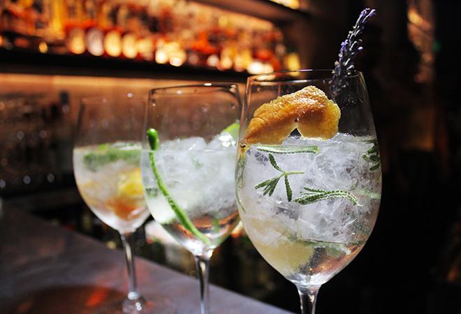 "Otro gin tonic ""a la española"""