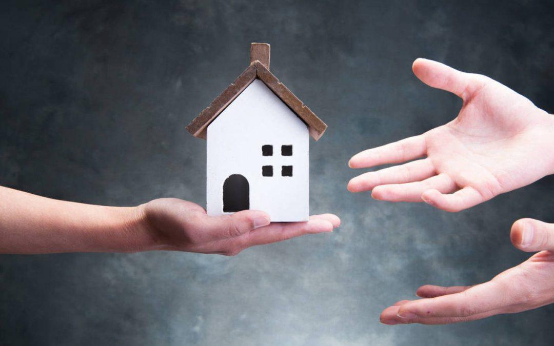 ¿Qué pasa con la casa familiar si fallece mi cónyuge?